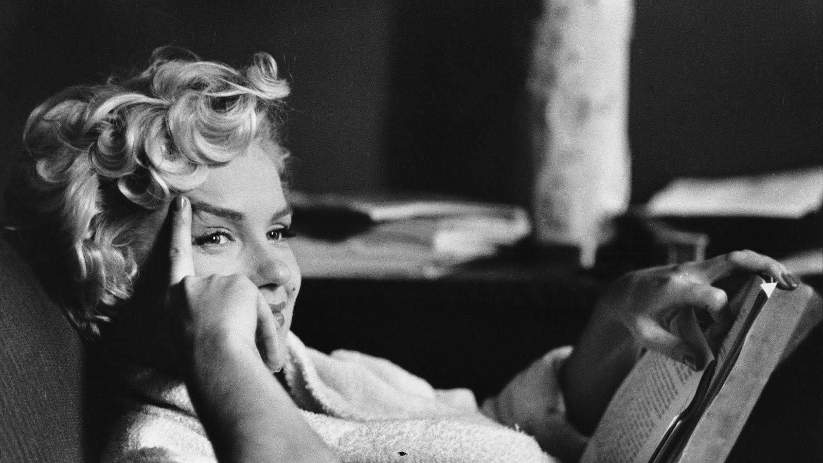 d1a35-elliott_erwitt_usa_new_york_us_actress_marilyn_monroe_1956_03
