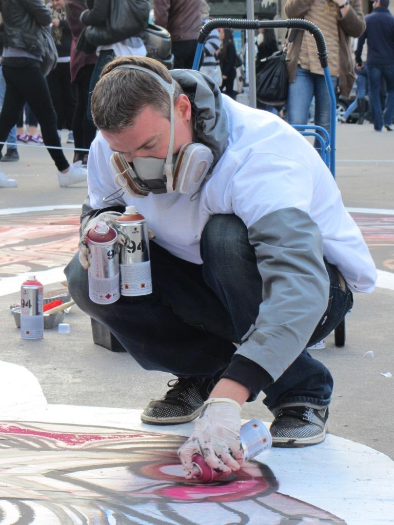 LA PEAU S'AFFICHE STREET ART