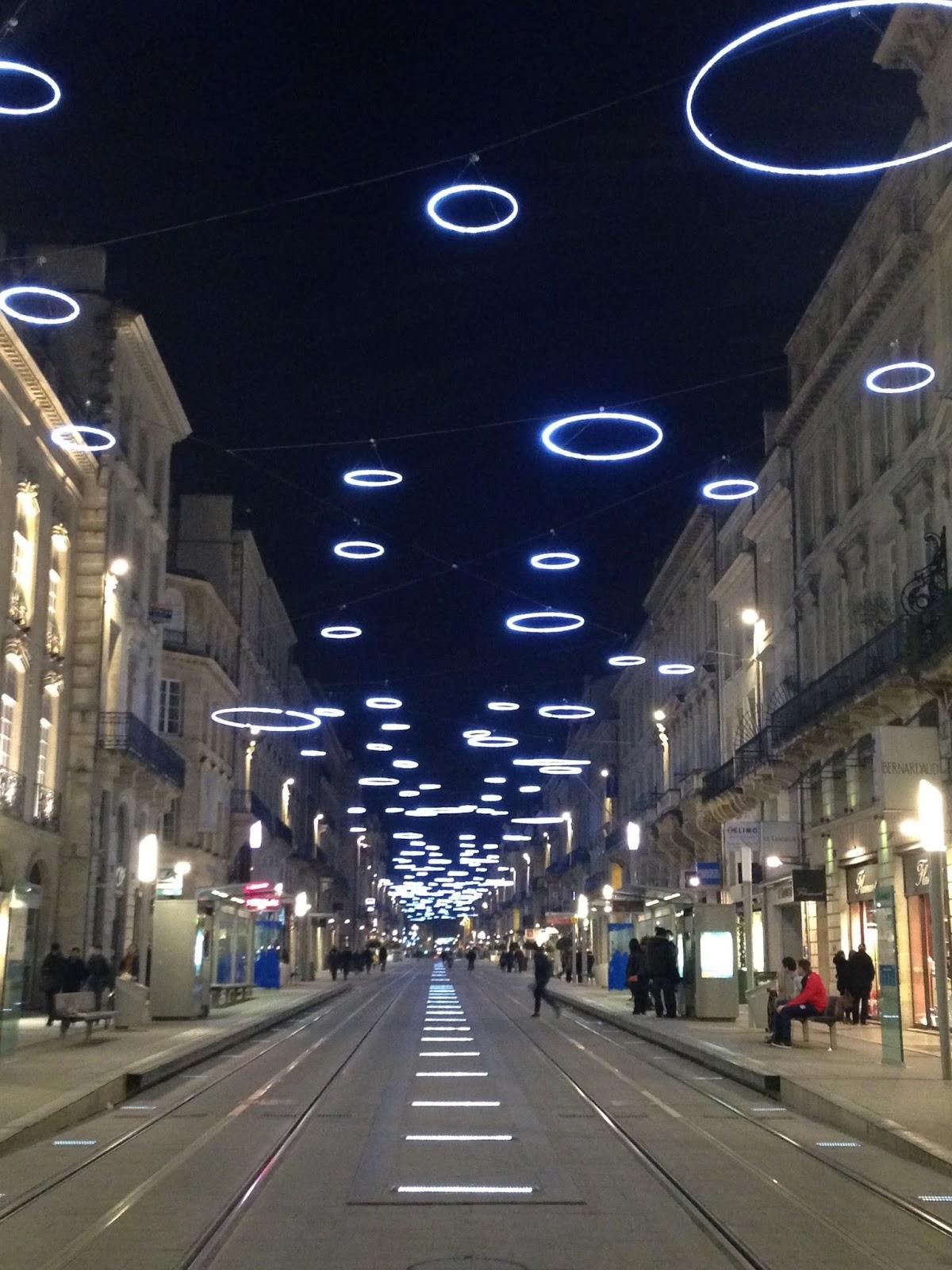 C est beau une ville la nuit art daily fix - Magasins rue sainte catherine ...