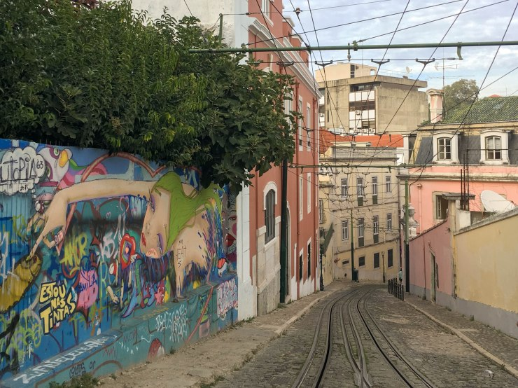 urban-art-gallery-lisbon-4