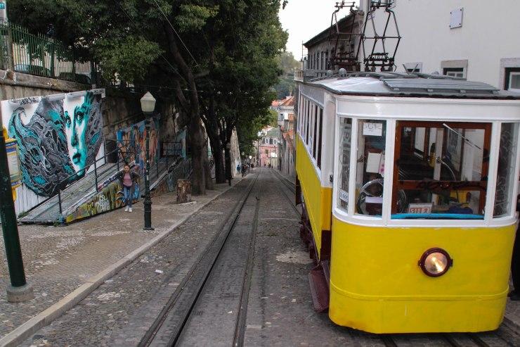 urban-art-gallery-lisbon-8